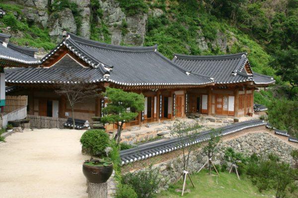 Nhà truyền thống Hanok ở Hàn Quốc